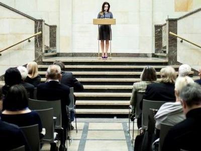 licytacja dziela sztuki przemowienie